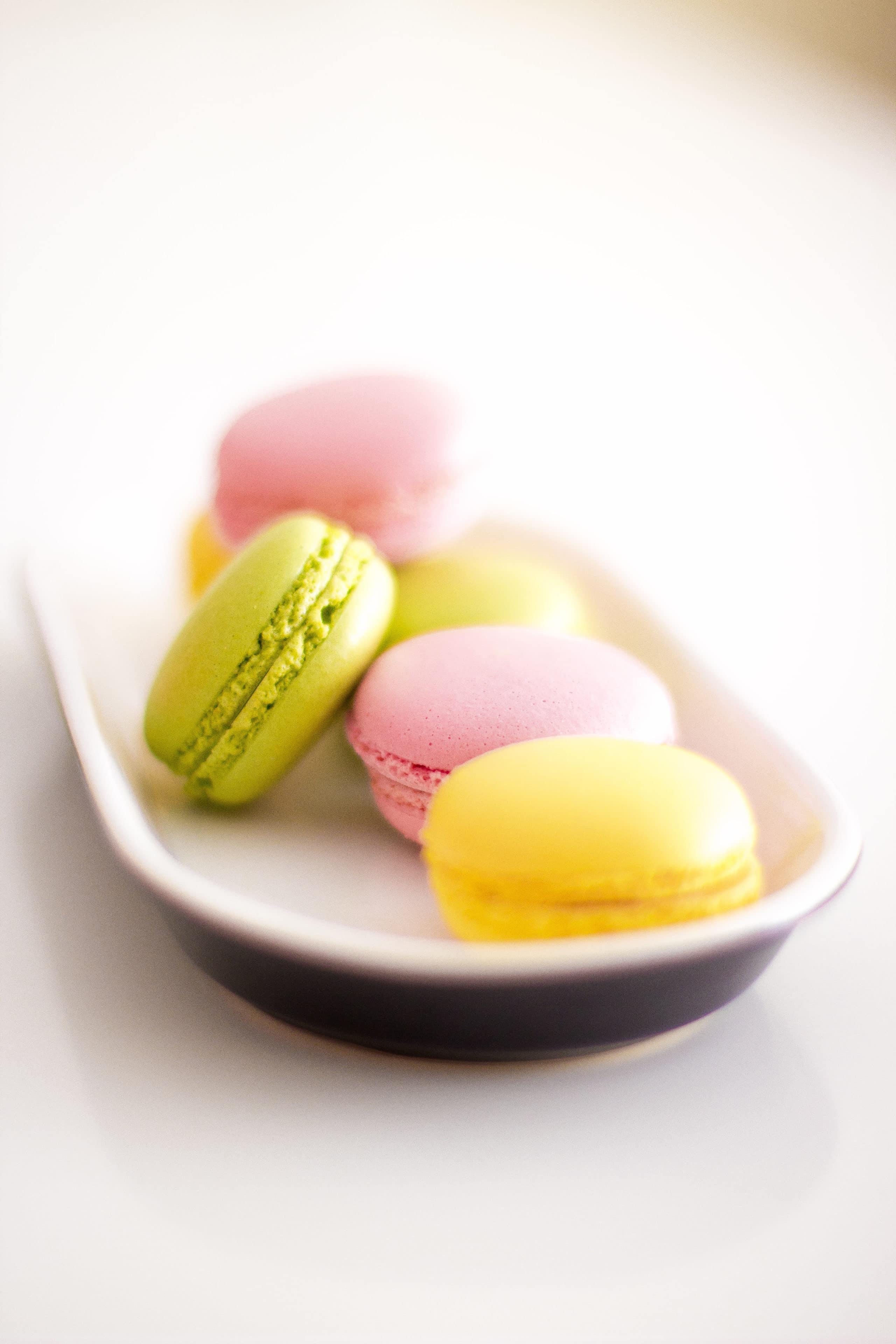 Macarons candy colors para a mesa acompanhar a paleta de cores da festa