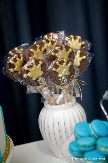 Pirulitos de chocolate com o tema Príncipe