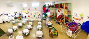Chá de bebê em buffet infantil: espaço para adultos e crianças