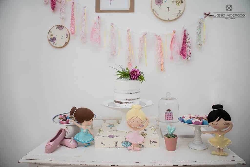 Mesa linda para o chá de bebê de menina
