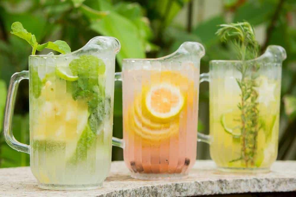 Cardápio para chá de bebê: águas aromatizadas